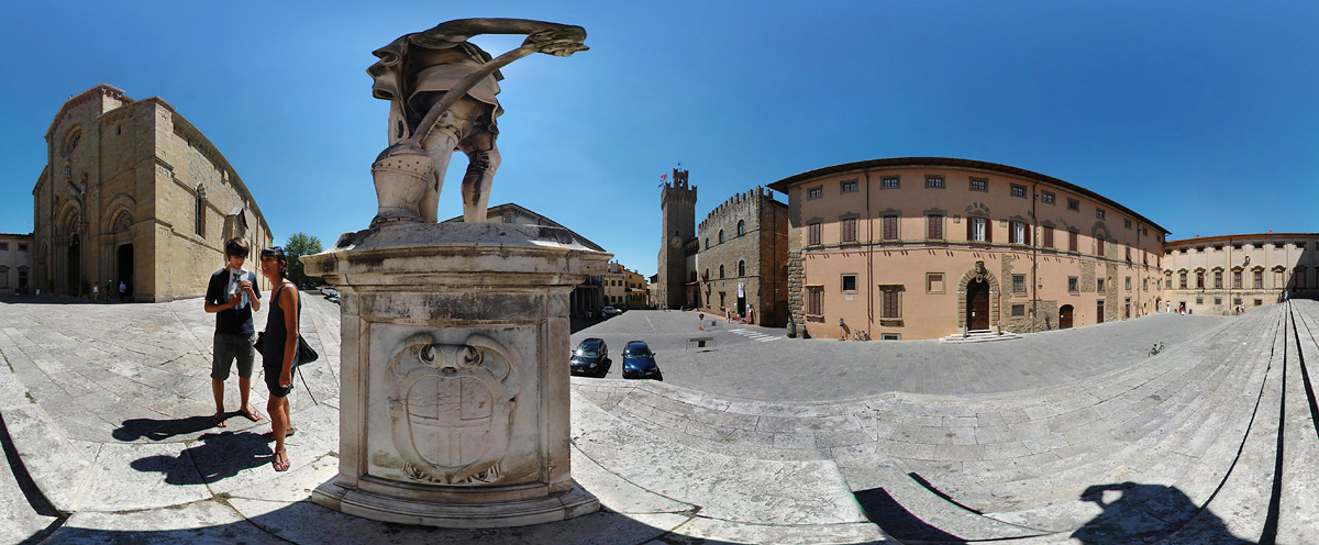 2010_Pano360_Arezzo_Cathedrale.jpg